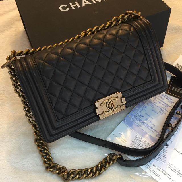 035cfe4e82b61b Chanel Le Boy Classic Flap Bag, Luxury, Bags & Wallets on Carousell