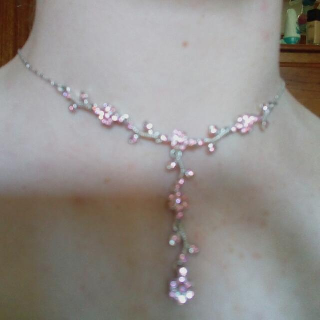 Choker-like Necklace