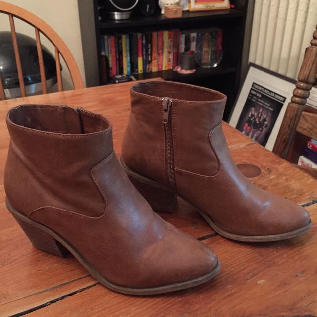 Ecote Women's Ankle Boots