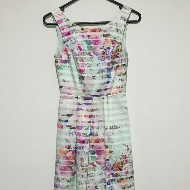 Forever New size 4 Dress