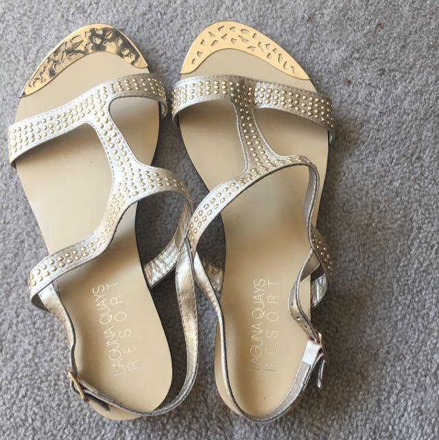 Gold Sandal Flats Size 37