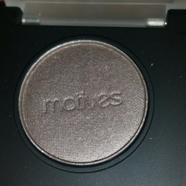 Motives Cosmetics Pressed Eyeshadow In Steel