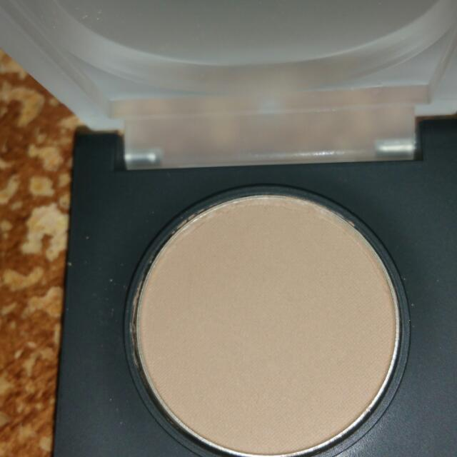 Motives Pressed Eyeshadow In Cappuccino