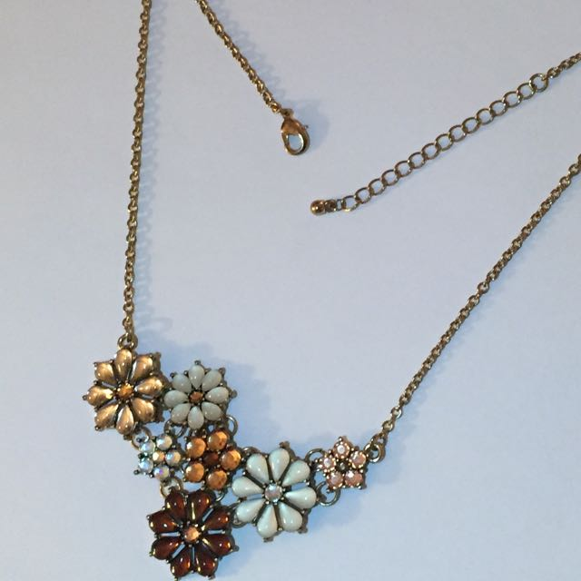 multi-flower Necklace