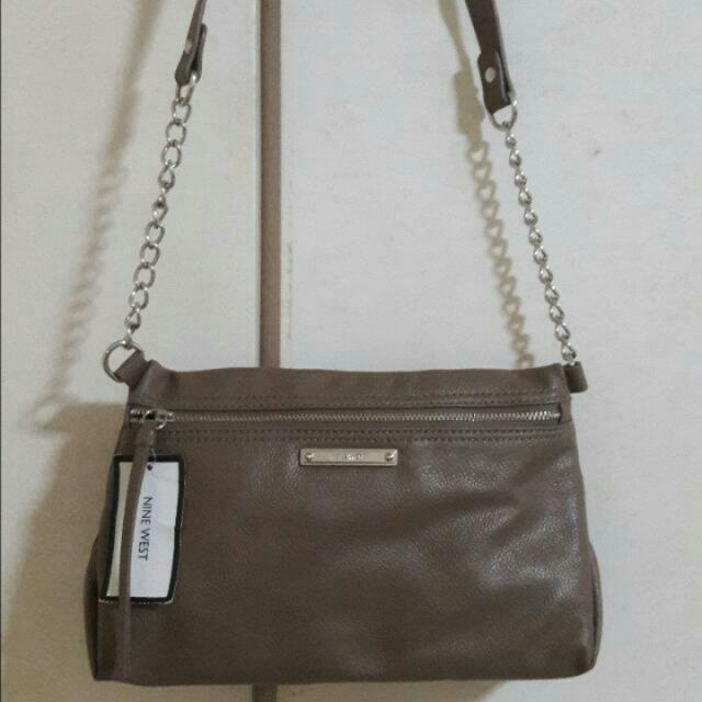 Nine West Sling/Body/Shoulder Bag