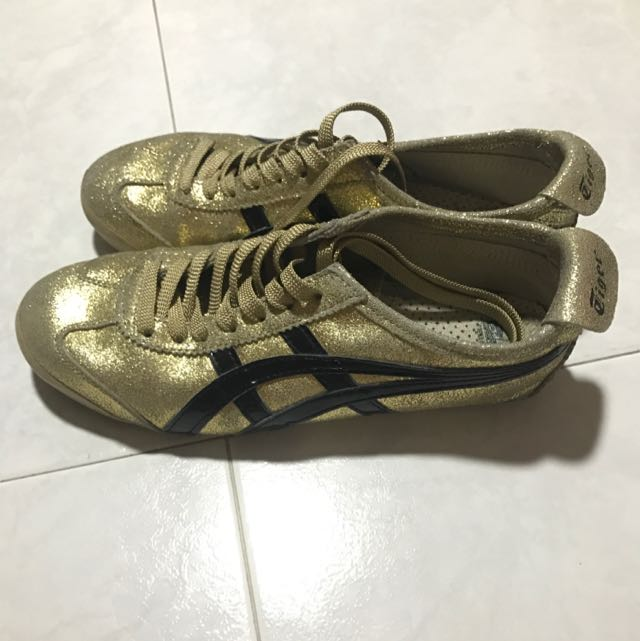 huge selection of dbaa3 c6a51 Onitsuka Tiger GOLD BLACK, Men's Fashion, Footwear on Carousell