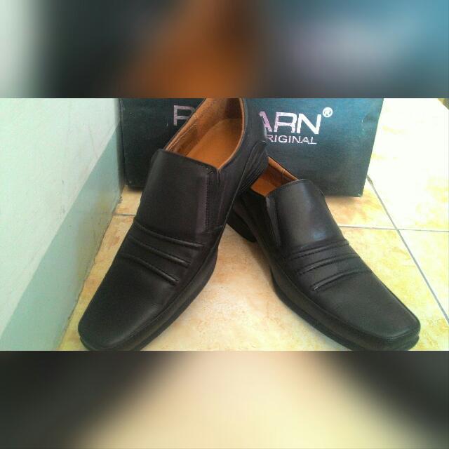 Sepatu Kulit Rionard Original