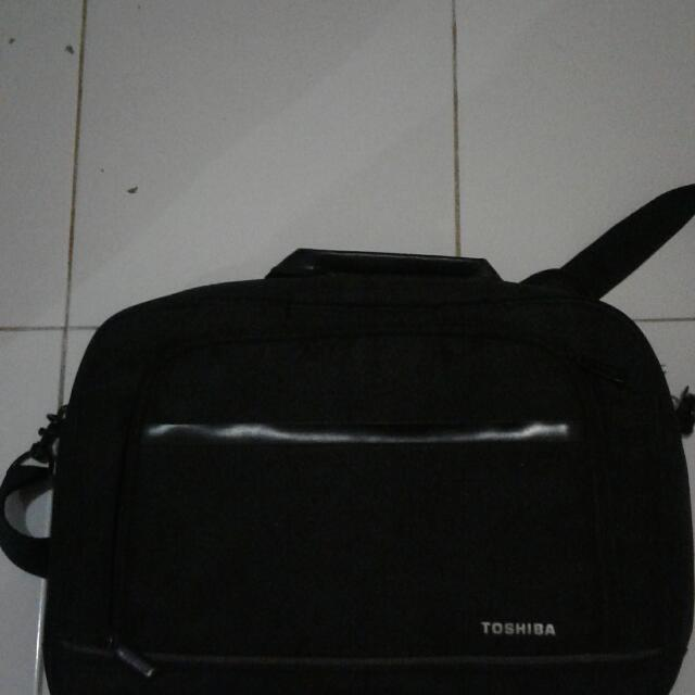 Tas Laptop Toshiba Bawaan Asli