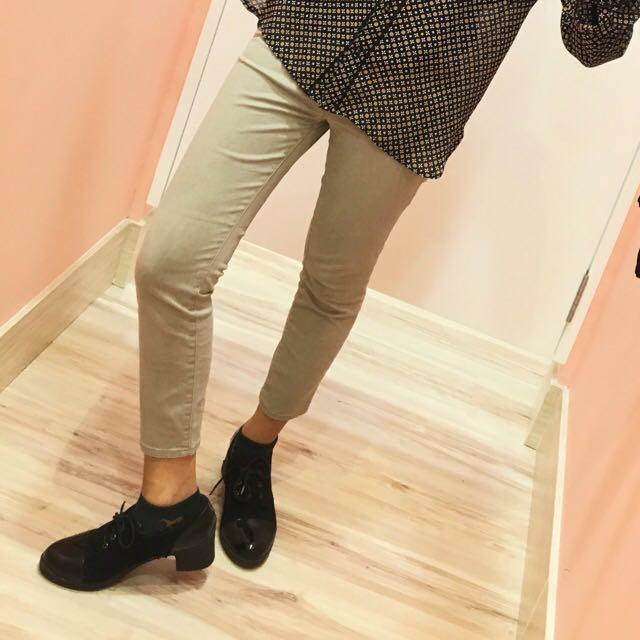 UNIQLO pants ( 7/8 )