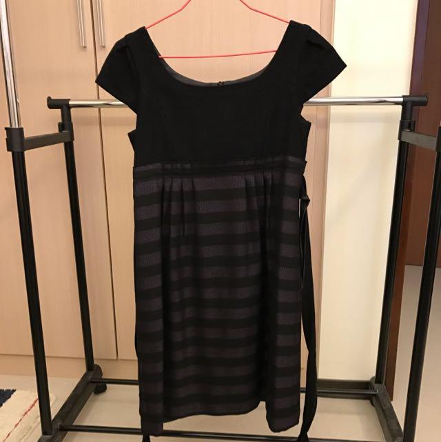 《U're》紫黑橫條紋高腰短袖洋裝(1號)