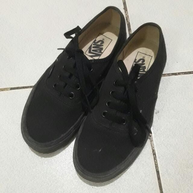 Vans Authentic All Black Wmns Size 6 92f4155ddb