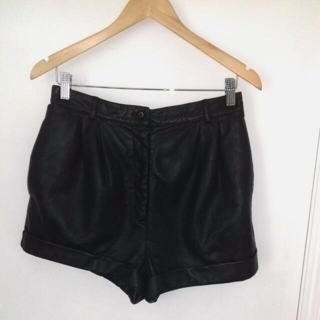 Vintage Leather Highwaisted Shorts Size 12