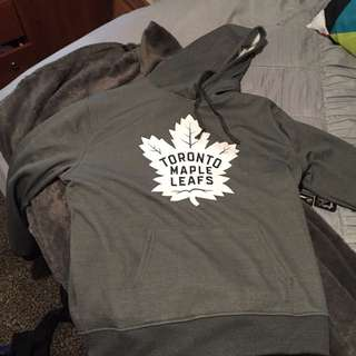 BRAND NEW TORONTO MAPLE LEAFS SWEATER