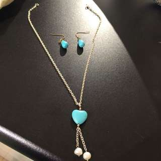 Turquoise Heart Necklace ( Including 2 Matching Earings )
