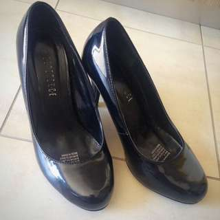 Esperance Black Synthetic Patent Leather Pumps