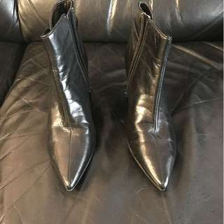 NEW 9 West ankle boots SZ 5
