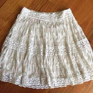 FOREVER NEW Dainty Lace Skirt Size 6