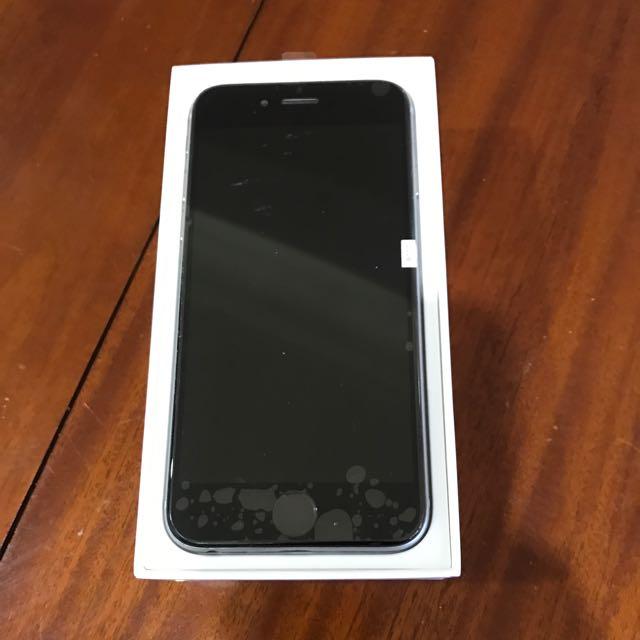 16GB Silver iPhone 6