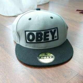 Topi OBEY