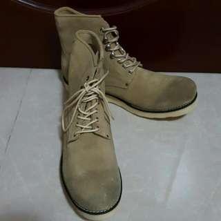 全新米色中筒男裝真皮皮鞋 Size43
