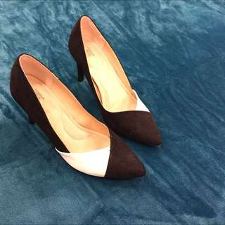 Size 8 Black And White Heels