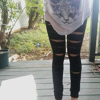 Black Ripped Skinny Jeans | Size 8