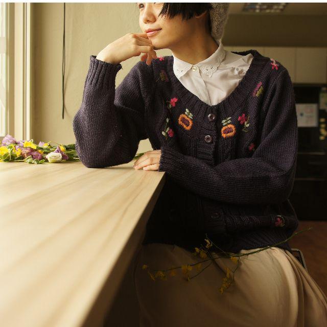 森系-深紫色粗針刺繡花朵毛衣外套