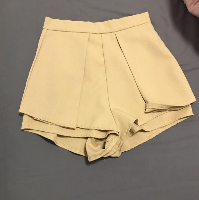 Beige Mini Shorts - Size 6