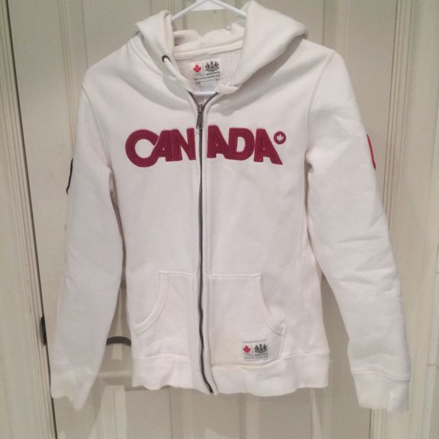 CANADA Hoodie- The Bay