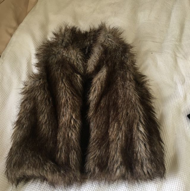 Faux Fur Coat (sleeveless)