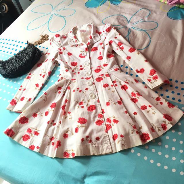 Flower white red dress