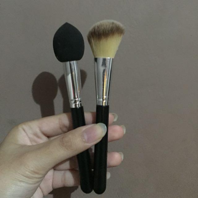 Forever 21 Beauty Blender Stick Dan Brush
