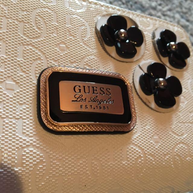 Guess Wristlet