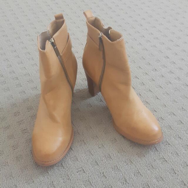 Marcut Boots