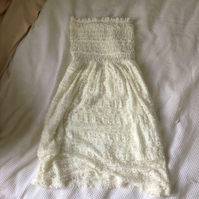 Short-length Lace Dress