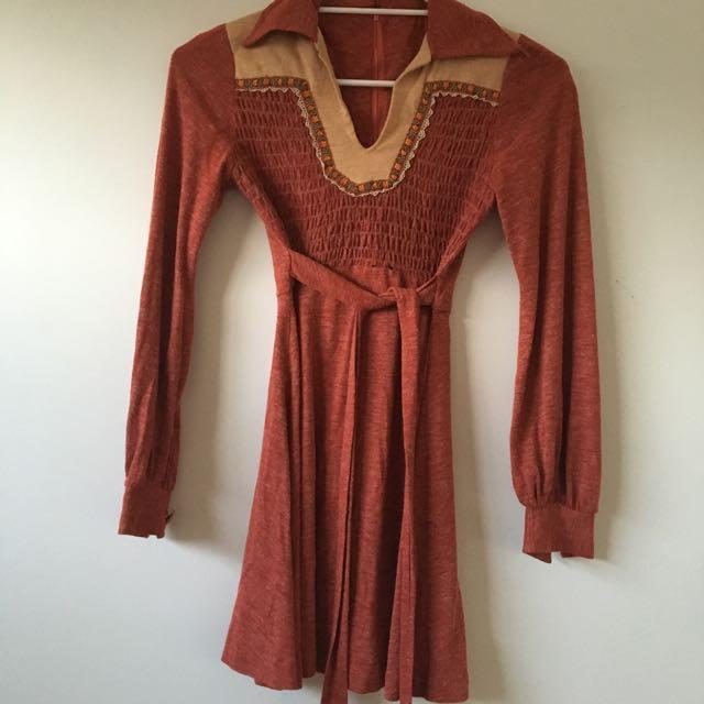 Small Vintage Long Sleeved Orange Dress