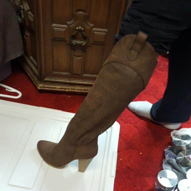 Suede brown size 6 1/2 boots.