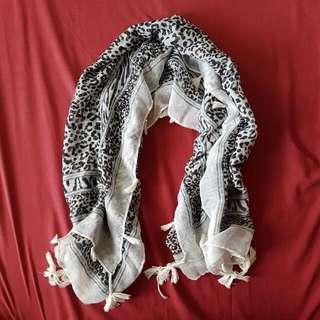 Hijab Leopard
