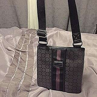 AUTHENTIC NEW Tommy Hilfiger Crossbody