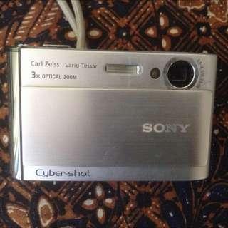 Sony Cyber shot 3x Optical zoom Carl Zeiss