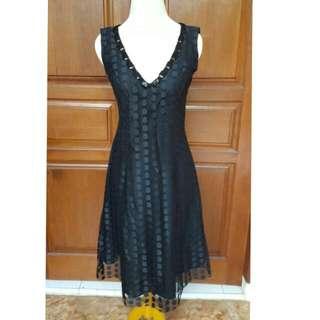 dress hitam Defrico Audy