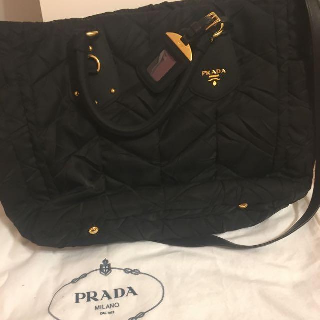100% Authentic Black Prada HandBag With Authenticity Certification Card