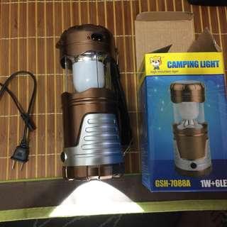 太陽能手電筒兼露營燈