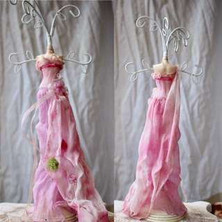 VINTAGE Dainty Pink Gown Jewellery Stand