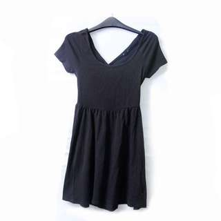BLACK CRISS-CROSS DRESS