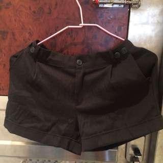 休閒黑短褲 西裝短褲 很好看