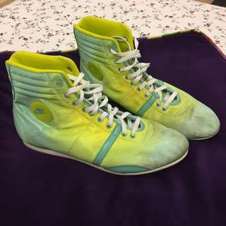 Vintage Nike Ladies Size 7