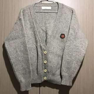 古著/花灰色學院風胸前徽章V領開襟羊毛外套