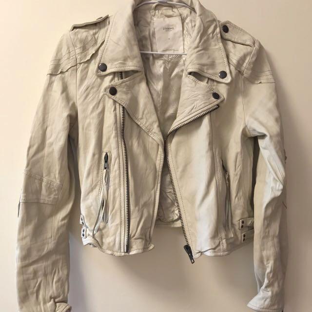 米白色羊皮皮衣