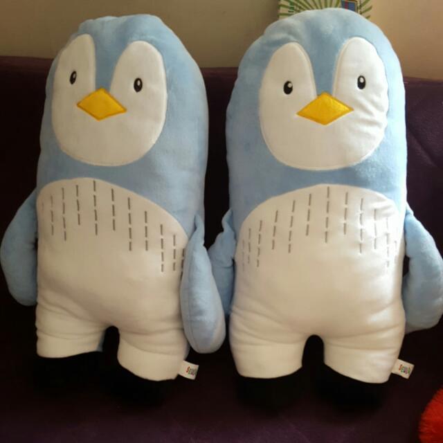 Bantal Pinguin
